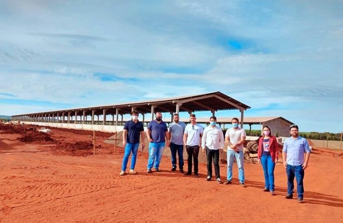 Município realiza visita para a construção de biodigestores em Itaipulândia