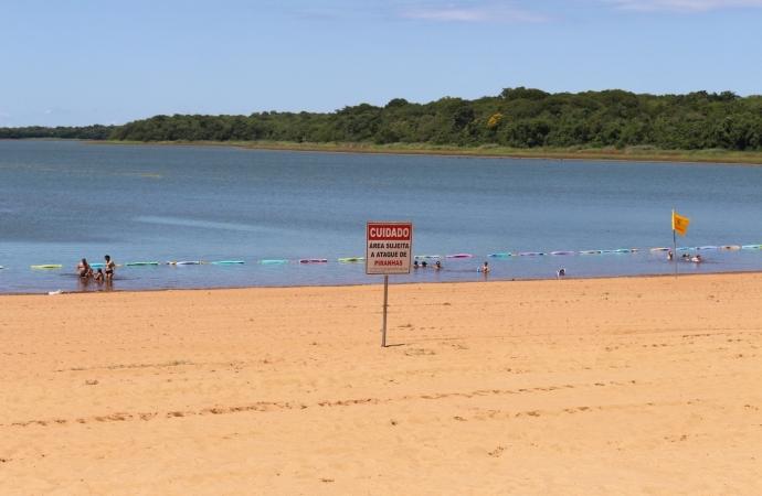 Nova rede protege banhistas contra o ataque de piranhas na prainha de Itaipulândia