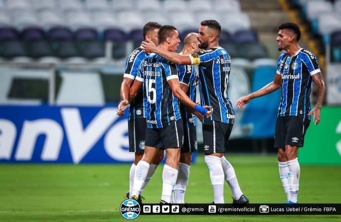 Ouça o gol: Grêmio vence o Gre-Nal e assume a liderança do Gauchão