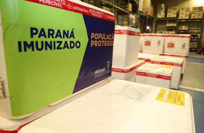 Paraná intensifica vacinação de idosos com mais de 60; veja distribuição por Regional