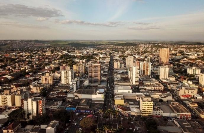 Paraná tem segunda menor taxa de transmissão de coronavírus no Brasil