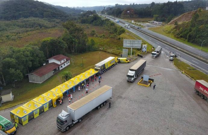 Paraná vai destinar primeiro lote da Janssen para vacinar trabalhadores do transporte