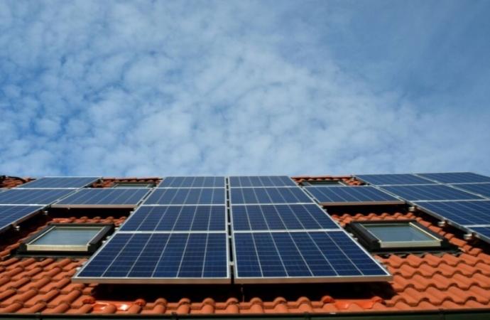 Paulo Vasatta busca criação de projeto para implantação de energia fotovoltaica em comércios e indústrias de Santa Helena