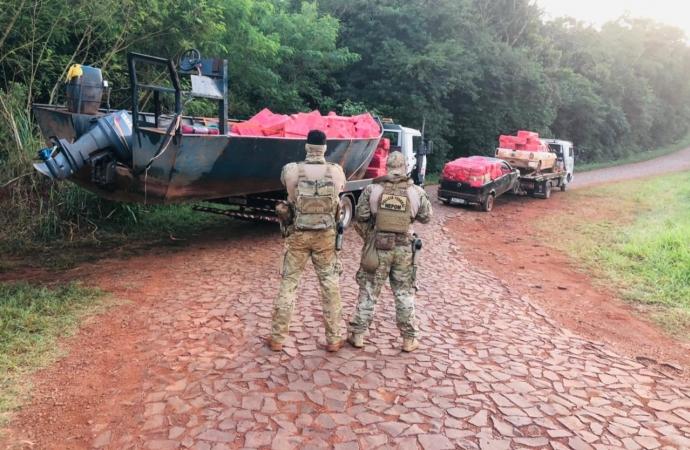 PF, BPFRON e BOPE apreendem uma embarcação e dois veículos às margens do Lago de Itaipu