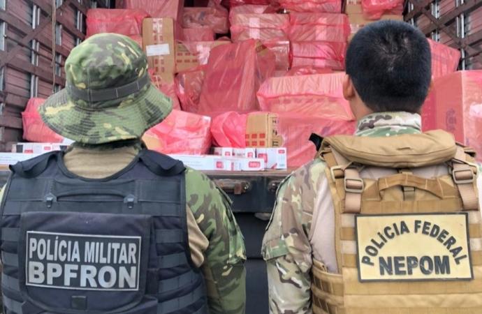 PF e BPFRON apreendem dois veículos carregados com cigarros paraguaios