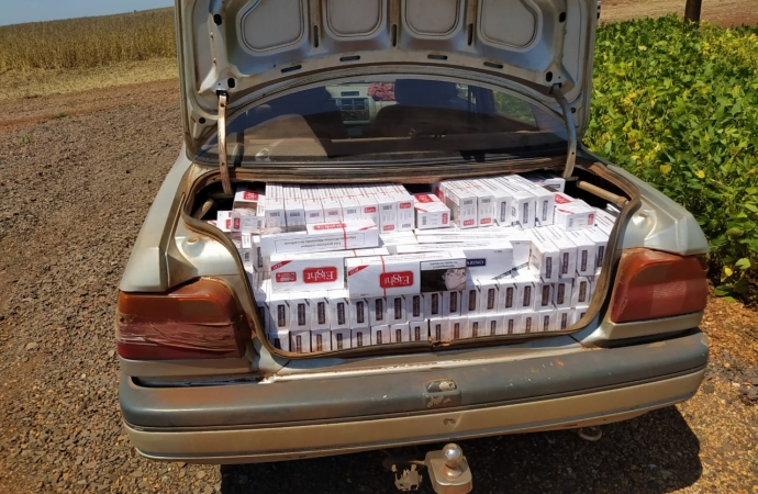 PF e BPFRON prendem casal em flagrante com veículos carregados com cigarros paraguaios