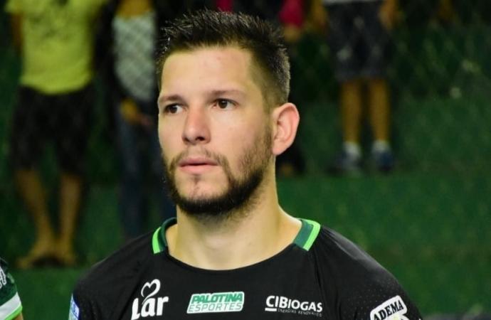 Pivô Papão é o novo reforço do Santa Helena Futsal