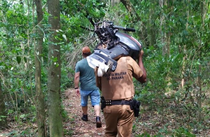 Policial de folga encontra motor de barco furtado no Lago de Itaipu em Santa Helena