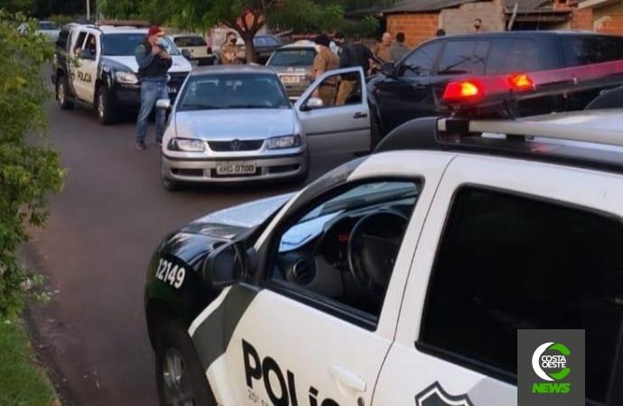 Polícias Civil e Militar cumprem mandado de prisão, apreendem veículos, drogas e munições em Santa Helena