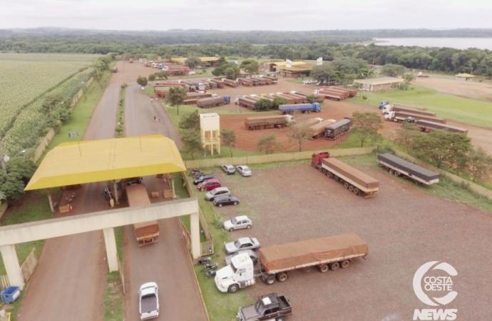 Porto de Santa Helena registra lentidão no despacho de caminhões