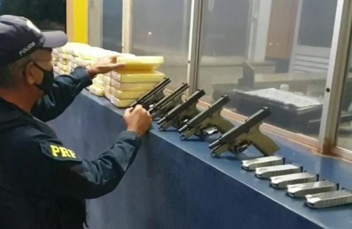 PRF apreende cocaína e armamento em Santa Terezinha de Itaipu