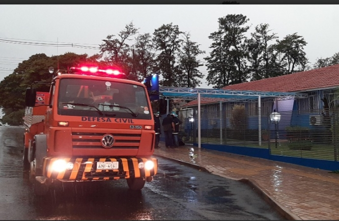 Princípio de incêndio mobiliza Defesa Civil na APAE de Santa Helena