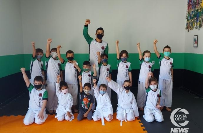Projeto Resgatando Talentos: NASF de São Miguel do Iguaçu está com inscrições abertas para aula de karatê infantil