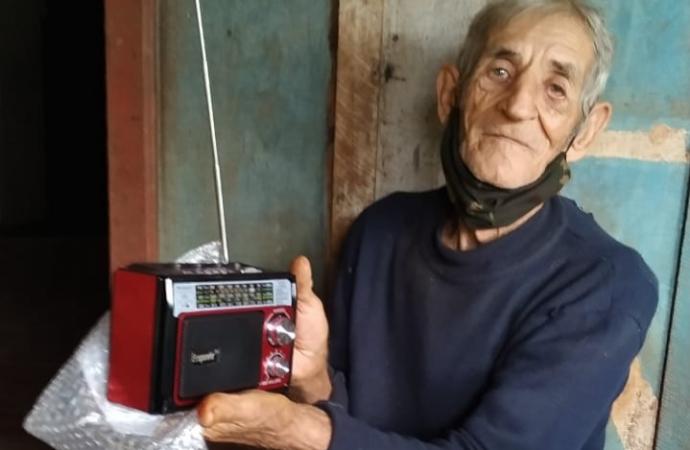 Provopar de Missal realiza a doação de um rádio