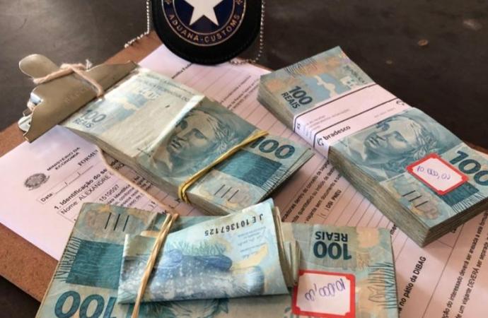 Receita Federal realiza apreensões de moeda e anabolizantes na Ponte Internacional da Amizade
