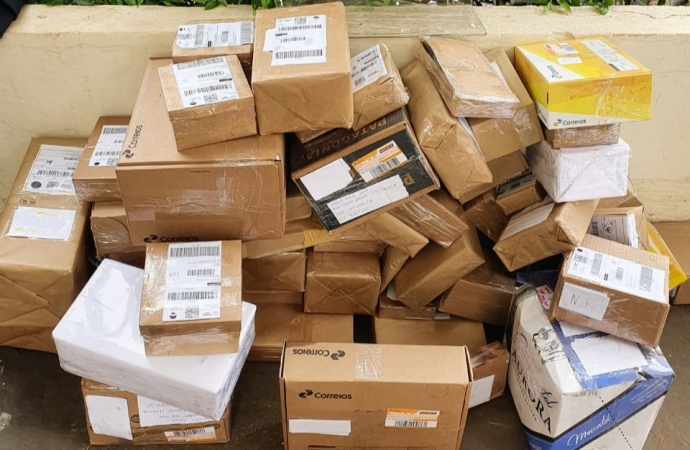 Receita Federal retém remessas irregulares no centro de distribuição dos Correios de Matelândia