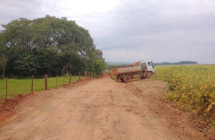 Recuperação de estradas estão ocorrendo em Missal de forma gradativa