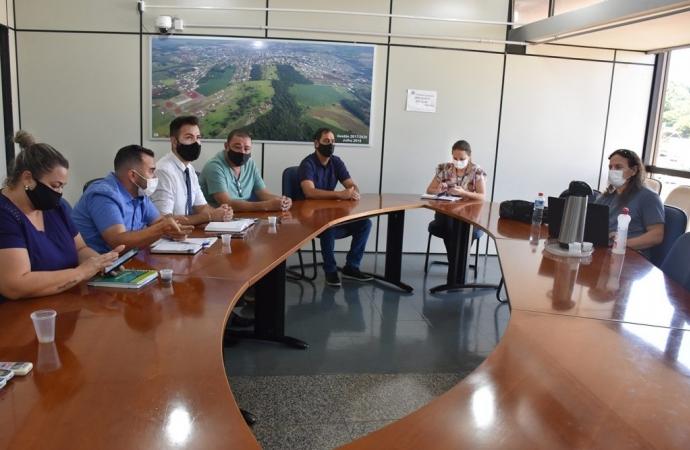 São Miguel do Iguaçu: Implantação de Projetos Habitacionais é tema de encontro com representantes da Cohapar