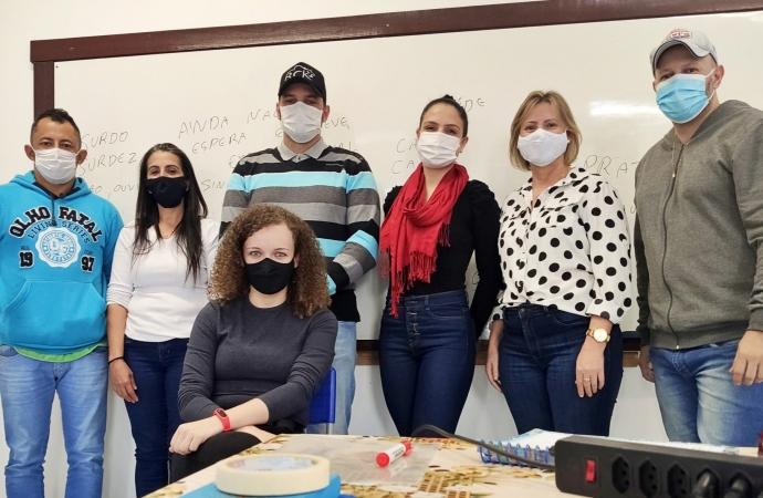 Secretaria de Educação de Itaipulândia realiza treinamento com SAMU para melhorar o atendimento às pessoas surdas