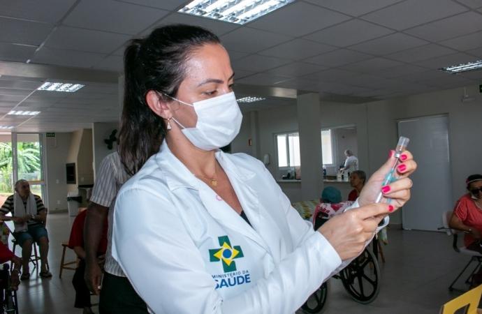 Secretaria de Saúde  de Medianeira emite Nota Oficial sobre vacinação contra a Covid-19