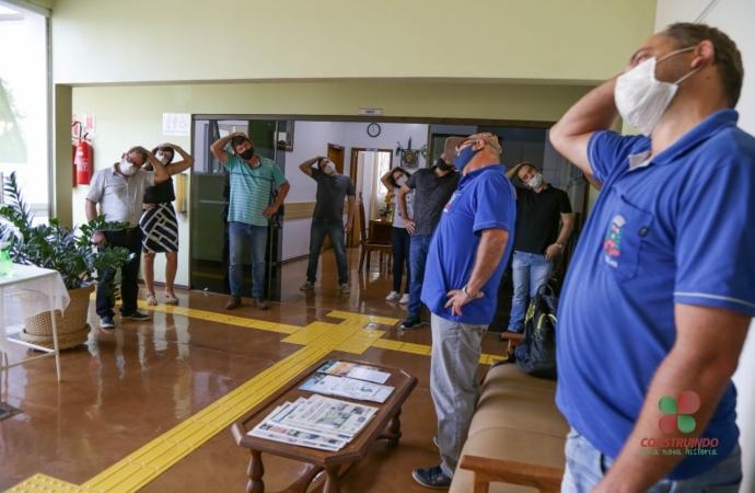 Servidores do Paço Municipal  participam de Ginástica Laboral em Missal
