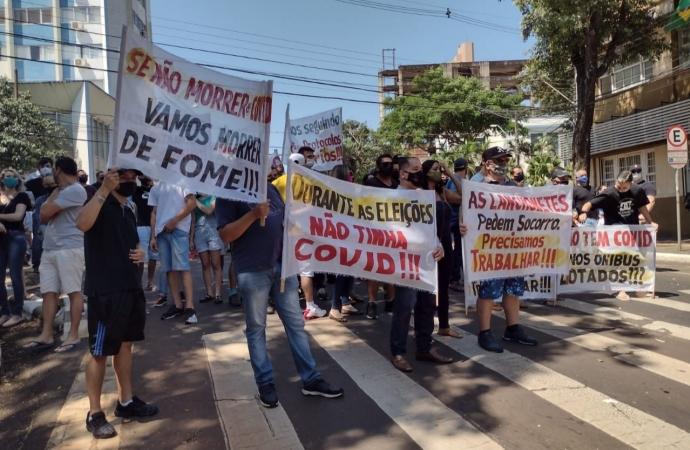 Setor de eventos e gastronomia se manifestam contra novo decreto em Foz do Iguaçu
