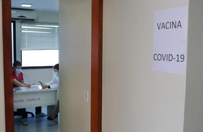Vacinação de idosos de 88 e 89 anos está acontecendo em São Miguel do Iguaçu
