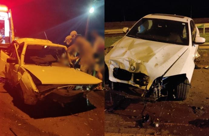 Veículos ficam destruídos após colisão em Medianeira