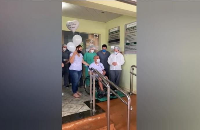 Vereador Queti se recupera da Covid-19 e recebe alta hospitalar; vídeo