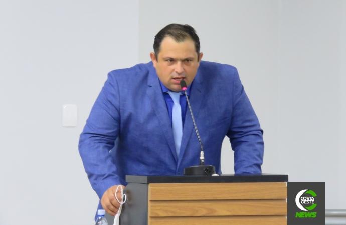 Vereador solicita câmeras em prédios públicos de Santa Helena e pede ao prefeito mais atenção às indicações