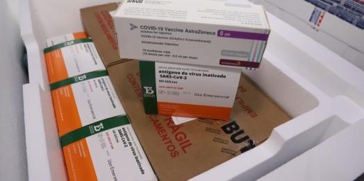 141 mil vacinas contra a Covid-19 chegam ao Paraná