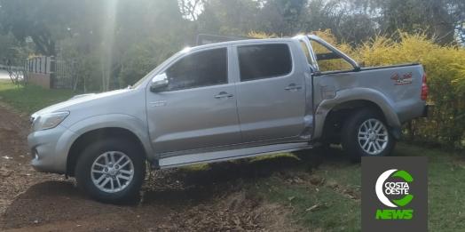 Acidente envolve camionete e carreta na PR 317 em Santa Helena