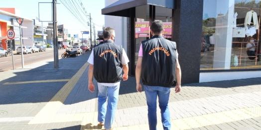 Agentes de fiscalização intensificam as orientações para a retomada gradual das atividades comerciais em Santa Terezinha de Itaipu