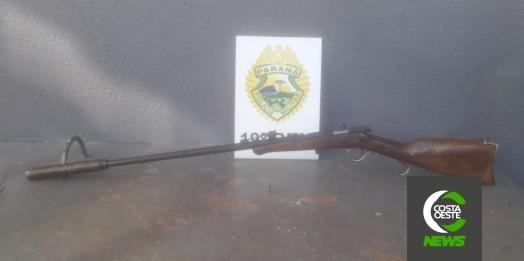 Após apontar arma para família, homem dorme em telhado e acaba preso pela PM em Santa Helena