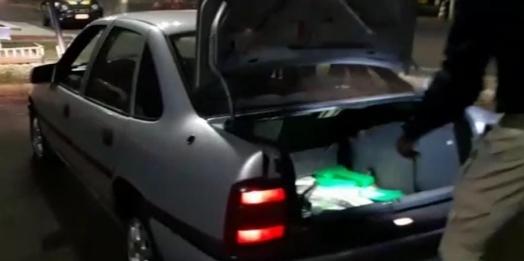 Após perseguição PRF apreende carro com placas de Matelândia carregado com maconha na BR-277