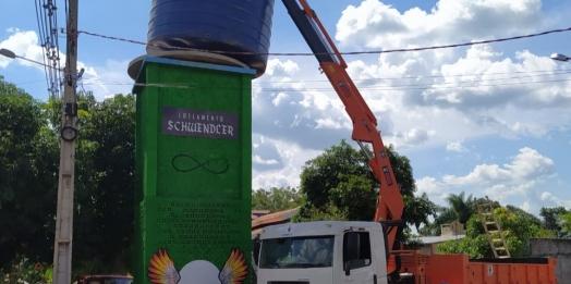 Caixa d'água de concreto com mais de 40 anos é substituída em Missal
