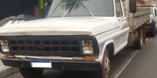 Caminhão furtado em Matelândia é recuperado pela Polícia Civil em Foz do Iguaçu