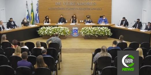 Cerimônia dá posse aos novos vereadores, prefeito e vice em Santa Helena