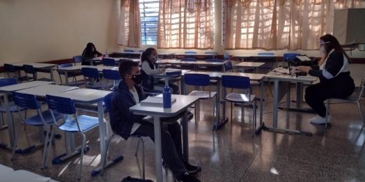 Colégios estaduais iniciam retomada gradual das aulas presenciais em Foz do Iguaçu