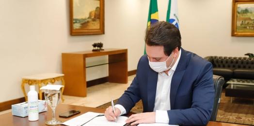 Com avanço da vacinação e queda nos indicadores, Paraná diminui restrições