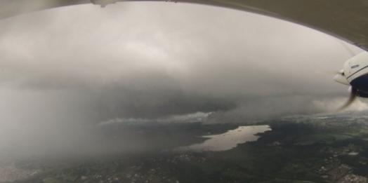 """Depois de """"tirar água de pedra"""", Sanepar faz chover na Região Metropolitana de Curitiba"""