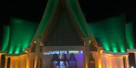 """Encerramento de projeção do Natal de Luzes terá mensagem de esperança cantada por """"vozes de Itaipu"""""""