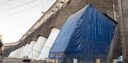 Equipamentos em dia: Manutenção garante sustentabilidade de condutos forçados da usina de Itaipu