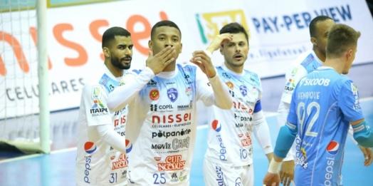 Foz Cataratas Poker Futsal goleia o Pato e assume a liderança do grupo C da Liga