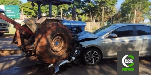 Grave colisão envolve veículo e trator na PR 488 em Diamante do Oeste