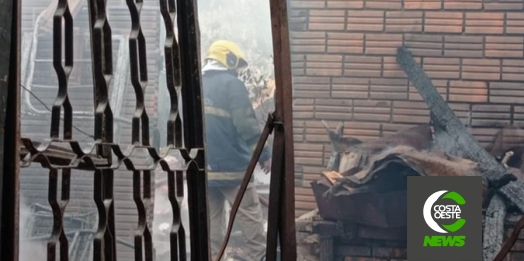 Incêndio atinge pequena fábrica de melado em Santa Helena