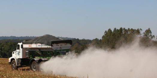 Interessados em receber calcário e cama de aviário em Santa Helena já podem providenciar a documentação