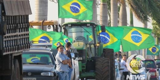 Manifestação reúne produtores, caminhoneiros e empresários em Santa Helena