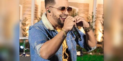 Morre aos 37 anos o cantor sertanejo Kleber, da dupla com Kaue, vítima da Covid-19