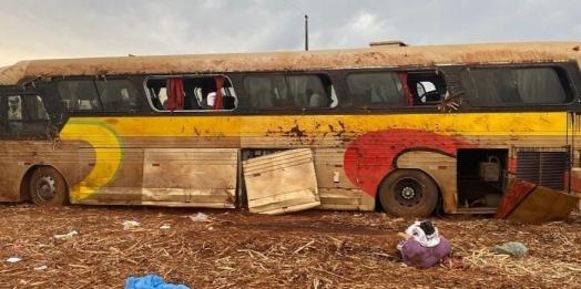 Ônibus que tombou em Ubiratã saiu de Foz do Iguaçu, diz PRF